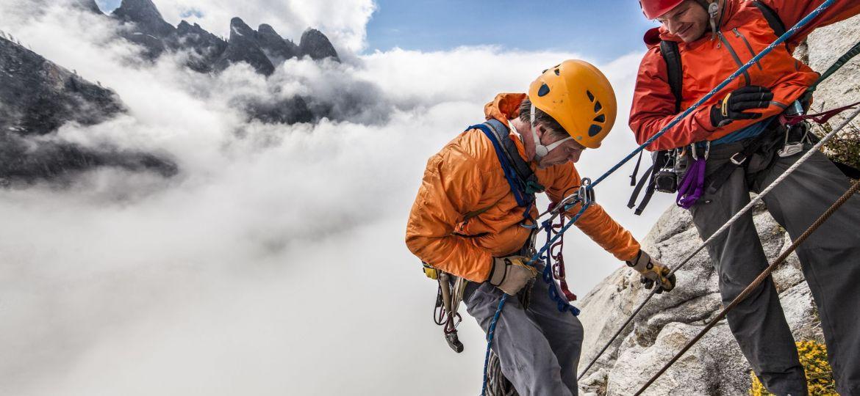 Bergbeklimmer-aan-touw